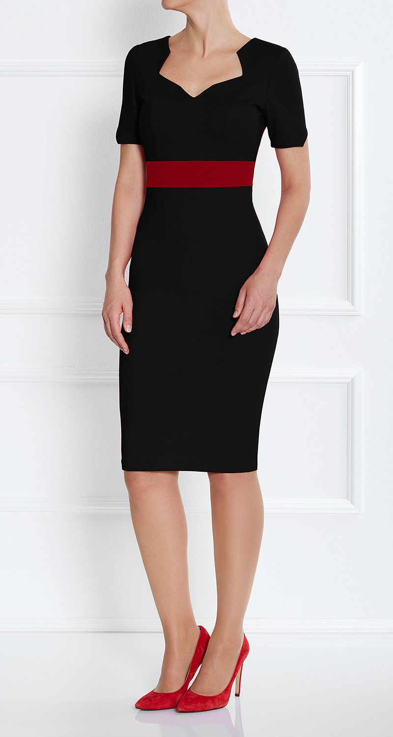 AMCO Fashion by Annett Möller | AMCO Noemie Dress | Classic Black and Red Stripe | Schwarz mit Rot | Stretch Kleid mit sternförmigem Ausschnitt