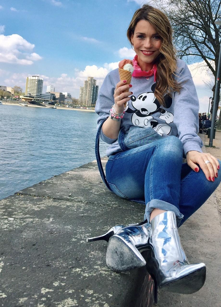 Short Ice-cream Break mit Mickey und Minnie Mouse